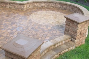 David's most recent hardscape project incorporated a variety of Eagle Bay pavers and products including a freestanding wall with end caps and a CircleStone pattern as the central focus for a blended, organic look.